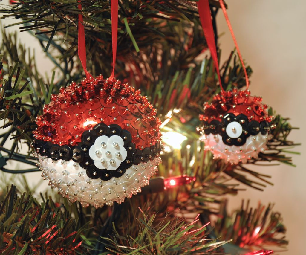 Picture of More Sequins Ornaments!