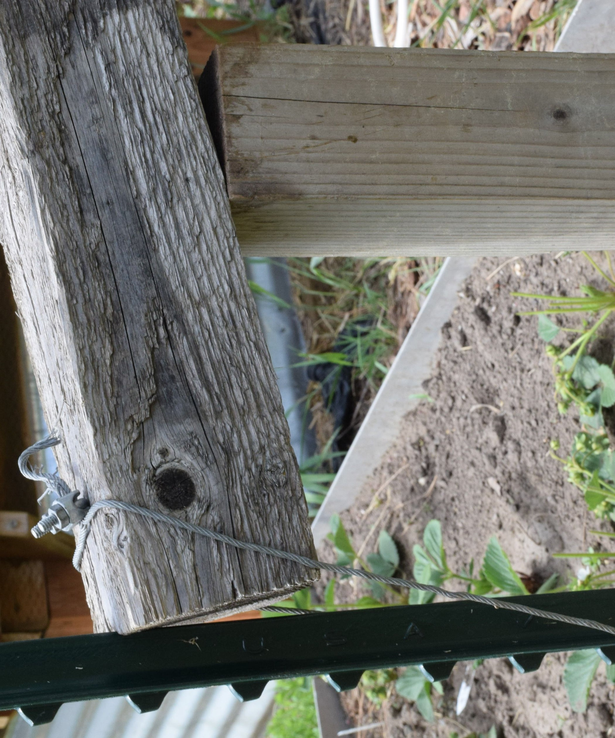 Cheap and Easy Fence Post Puller: 6 Steps (with Pictures)