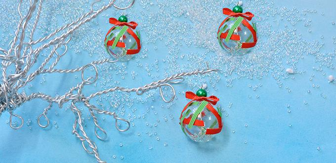 Picture of How to Make Easy Christmas Tree Ornament With Glass Lampwork Bead and Ribbons