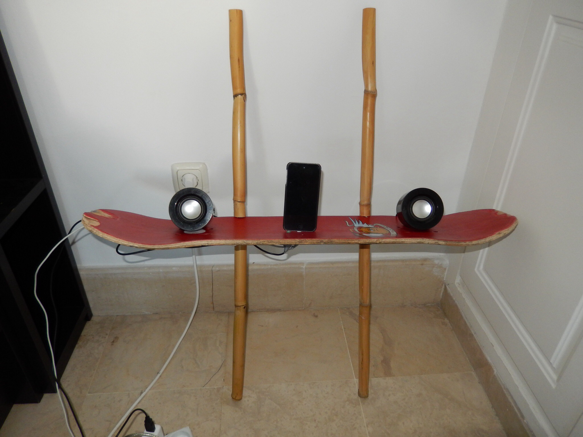 Picture of How to Make a Wall Hanging Audio/iPod Platform From an Old Skateboard