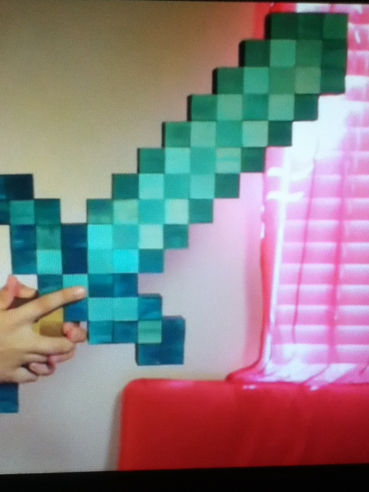 Picture of How to Make a Mincraft Diamond  Sword