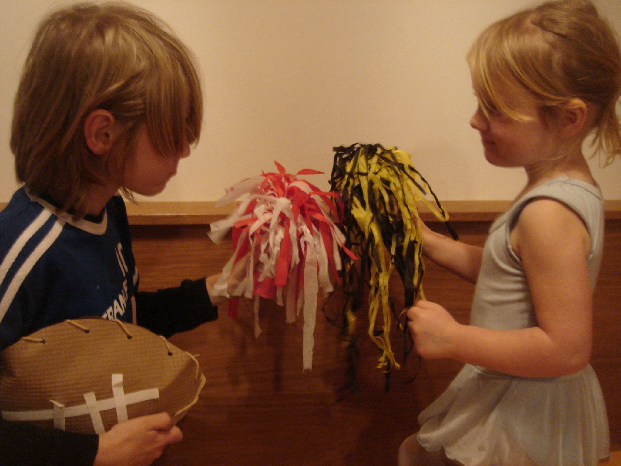 Picture of Homemade Pom-poms So You Can Get Yer Cheer on Super Bowl Sunday