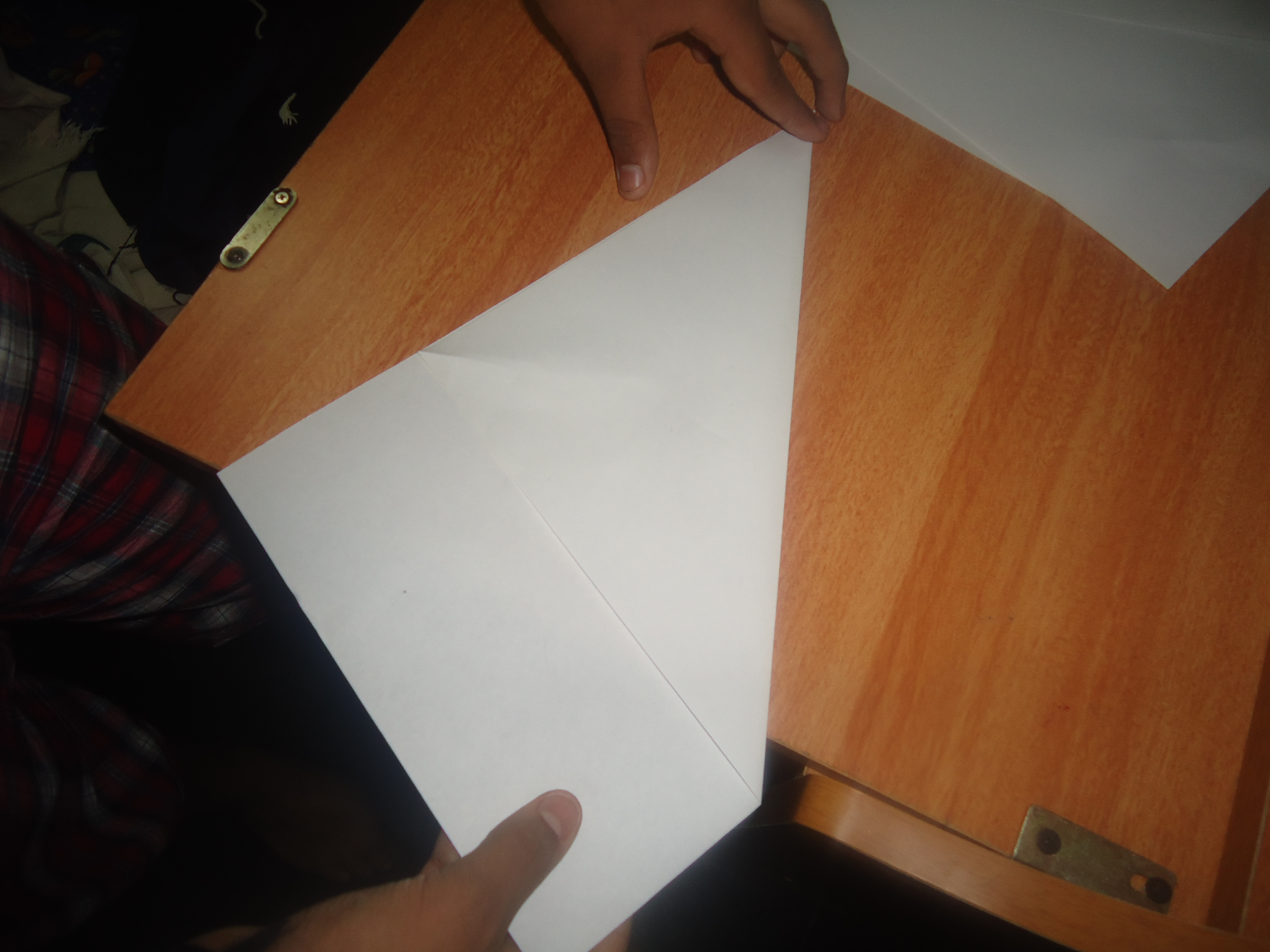 Picture of MAKING THE NAIL WITH PAPER