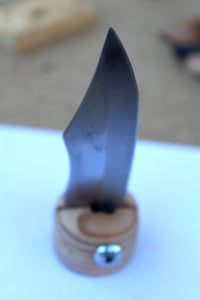 Screw the Knife's Blade
