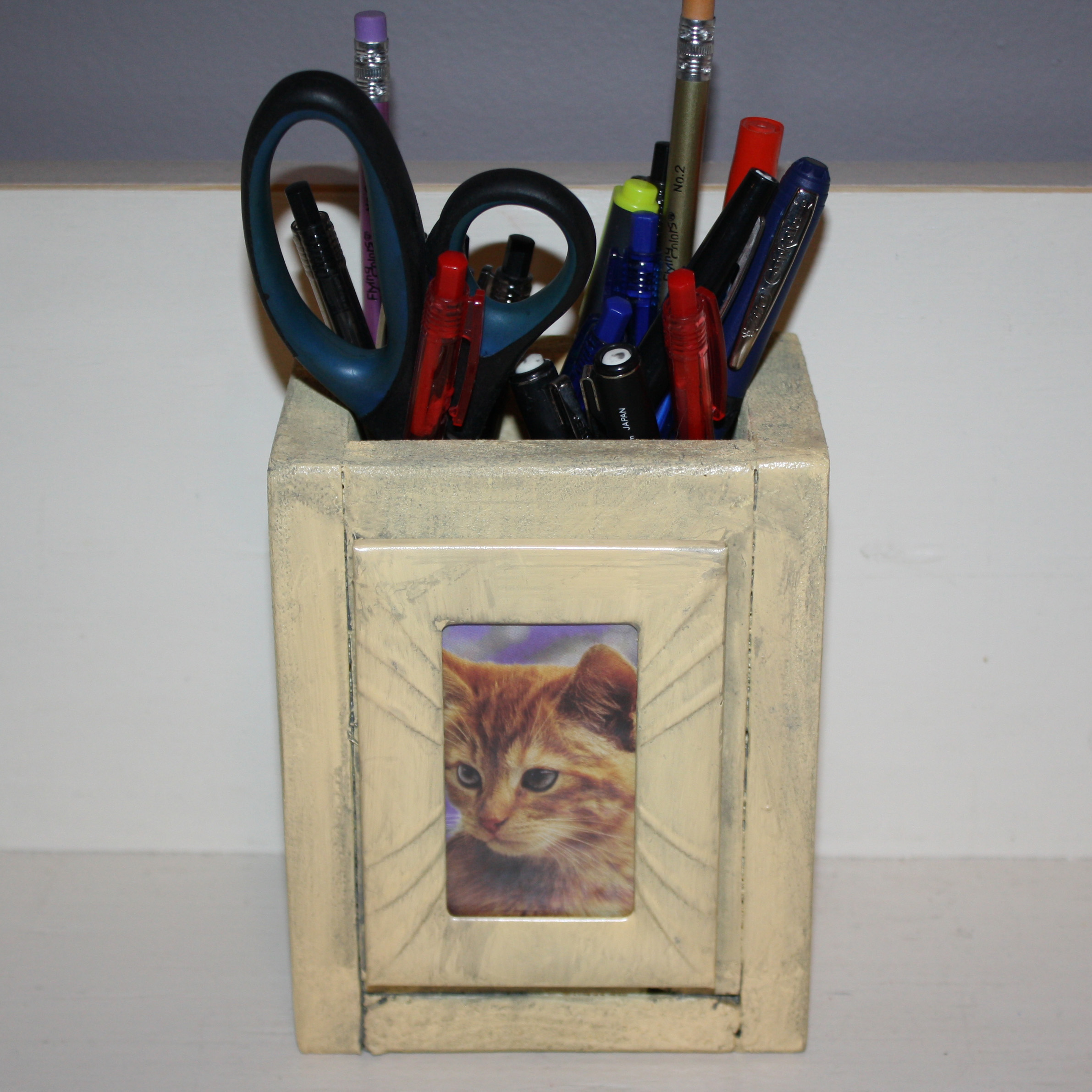 Picture of Pallet Photo Pencil Holder