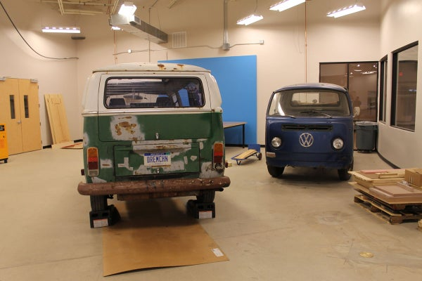 Removing the Engine and Transmission Together From a VW Type II Bay Window Bus at TechShop
