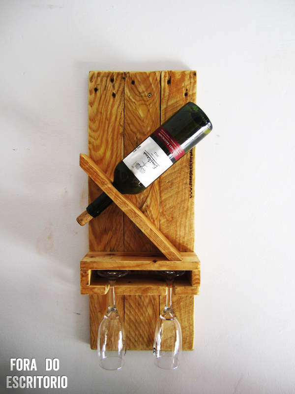 Picture of Wine Rack for a Bottle and 2 Cups Out of Pallet