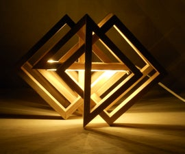 Turnable table lamp