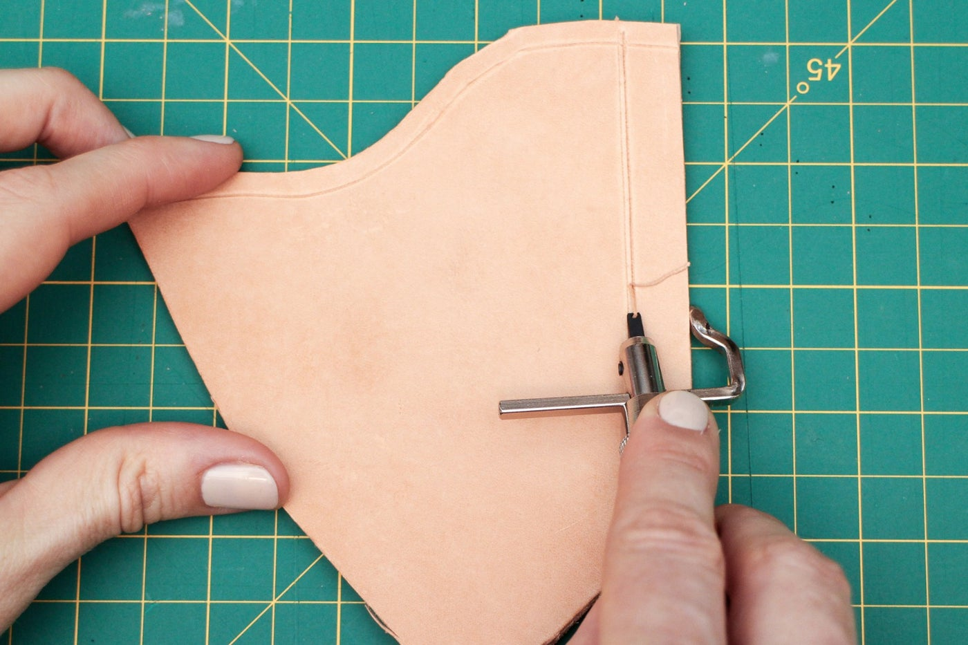 Marking Sewing Lines With a Stitch Groover