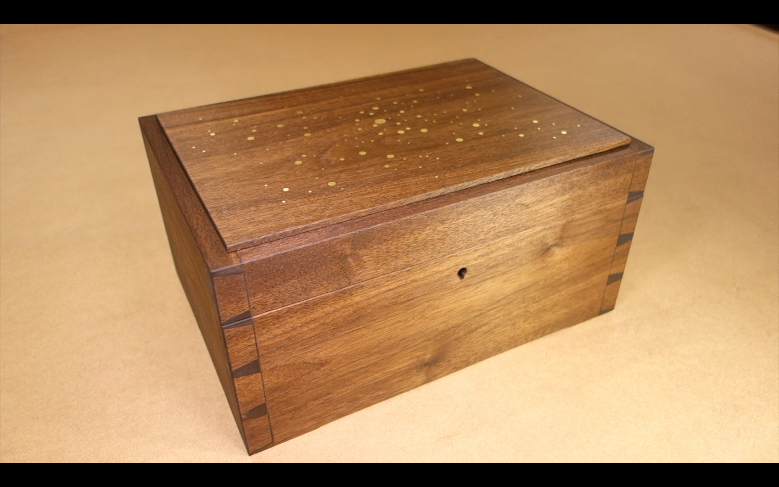 Picture of Dovetailed Star Box