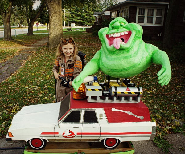 Awesome Ghostbuster With Proton Pack, Slimer, Ecto-1, and Ghost-Trap Bag