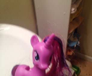 Shampooing Your Pony's Mane
