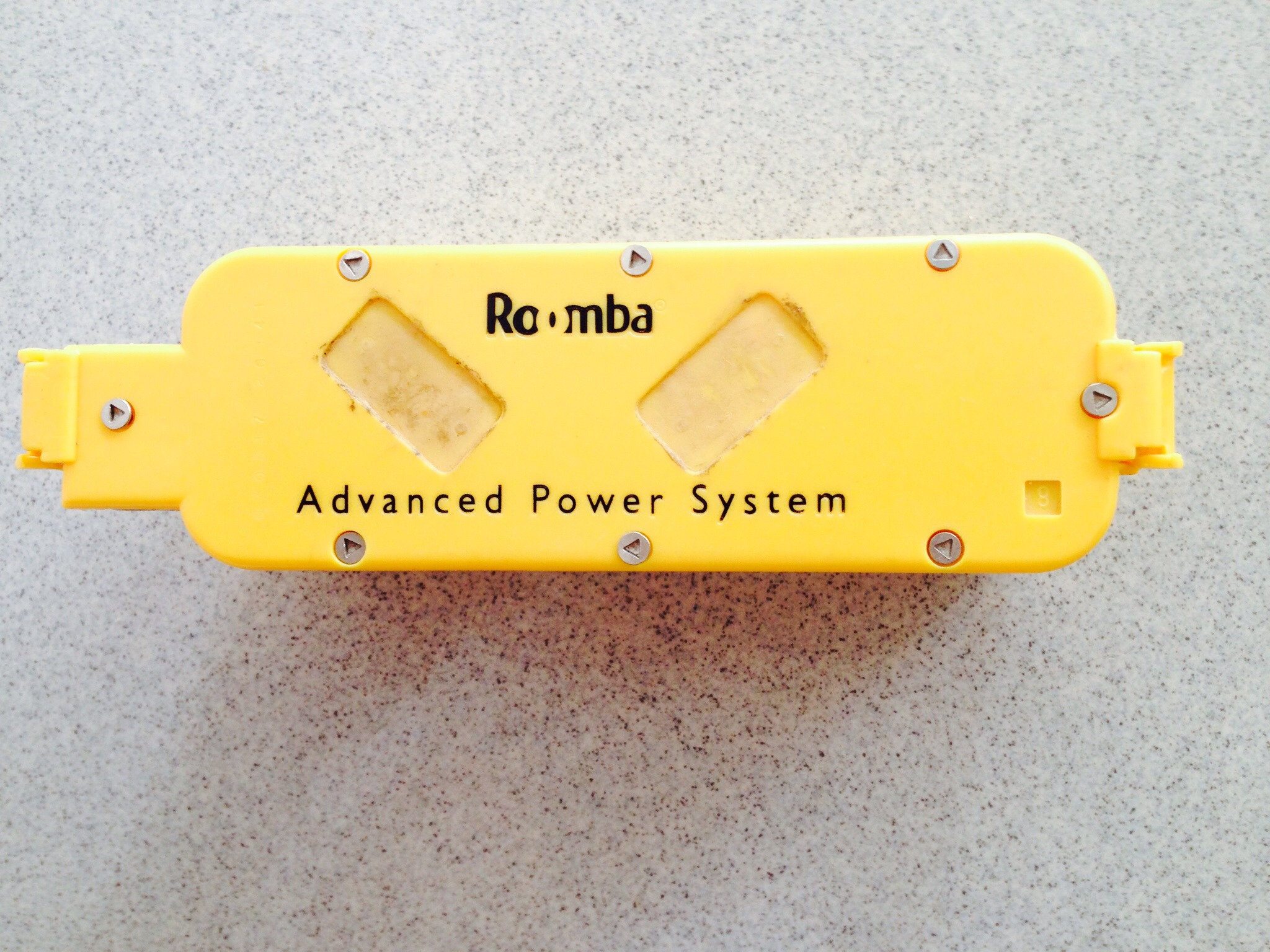 Picture of Roomba 415 Battery Teardown