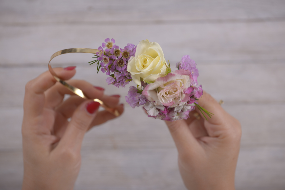 Picture of DIY With Flowers: Floral Headband
