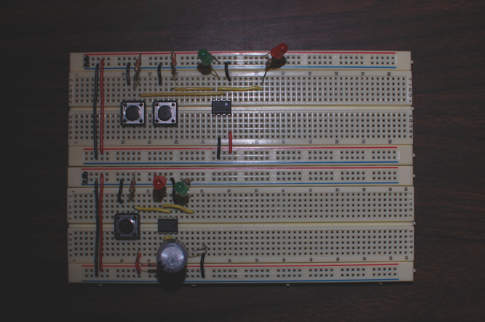 Picture of 555 Timer Mono-stable and Bi-stable Modes