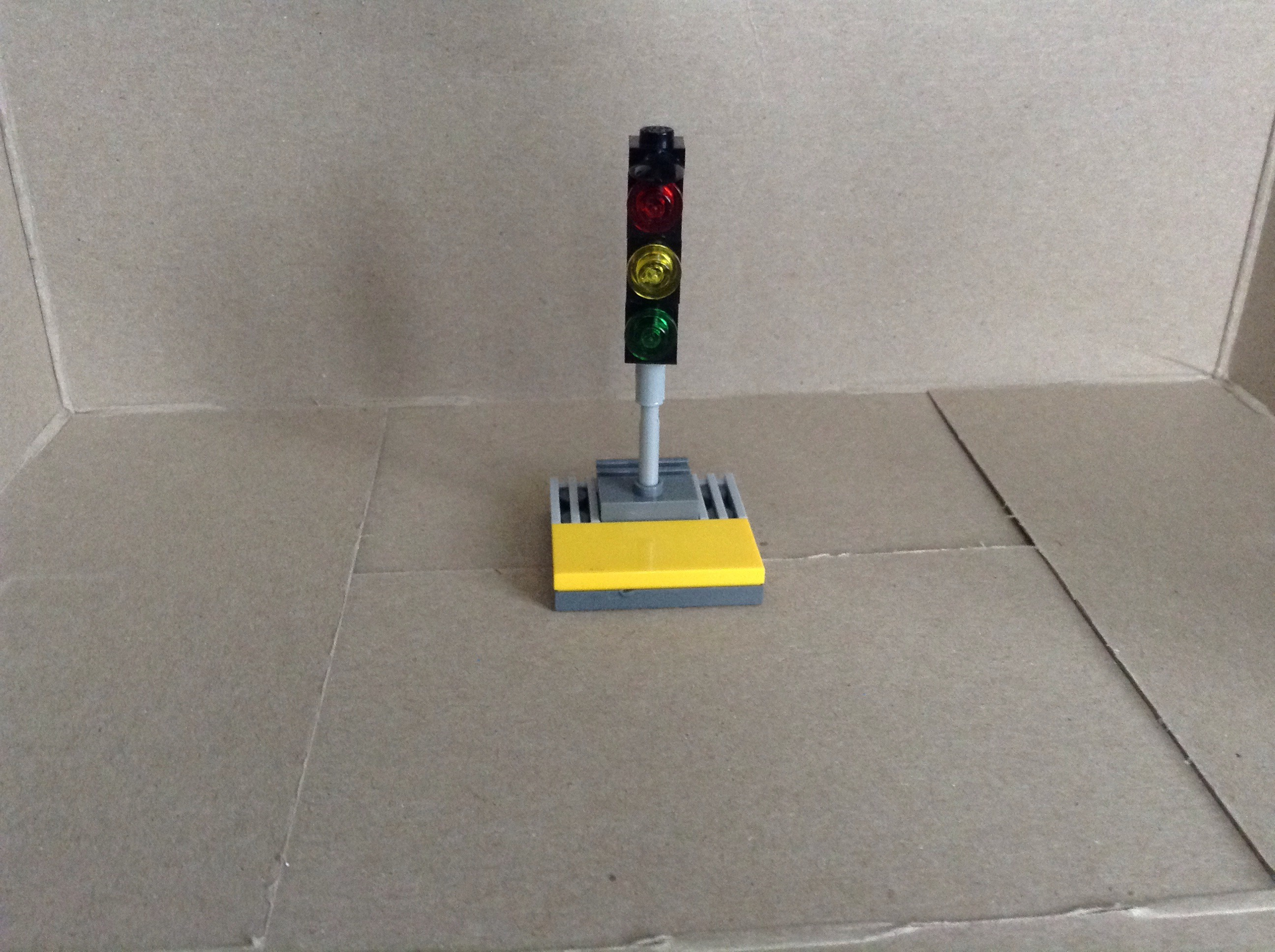 Picture of How to Make a Lego Traffic Light in 3 Easy Steps
