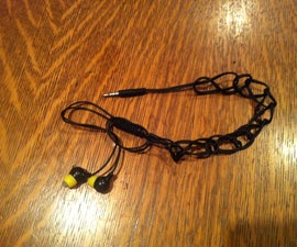 Quick Release Anti-Tangle Earbud Storage.