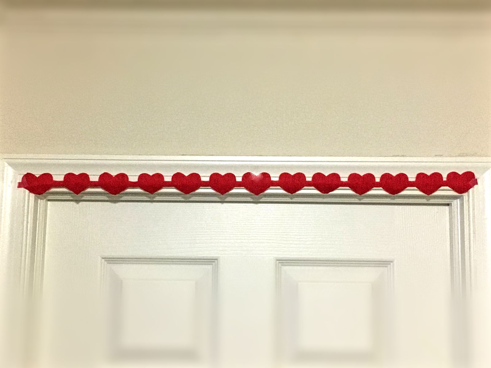 Picture of DIY Crepe Streamer Garland for Valentine's Day
