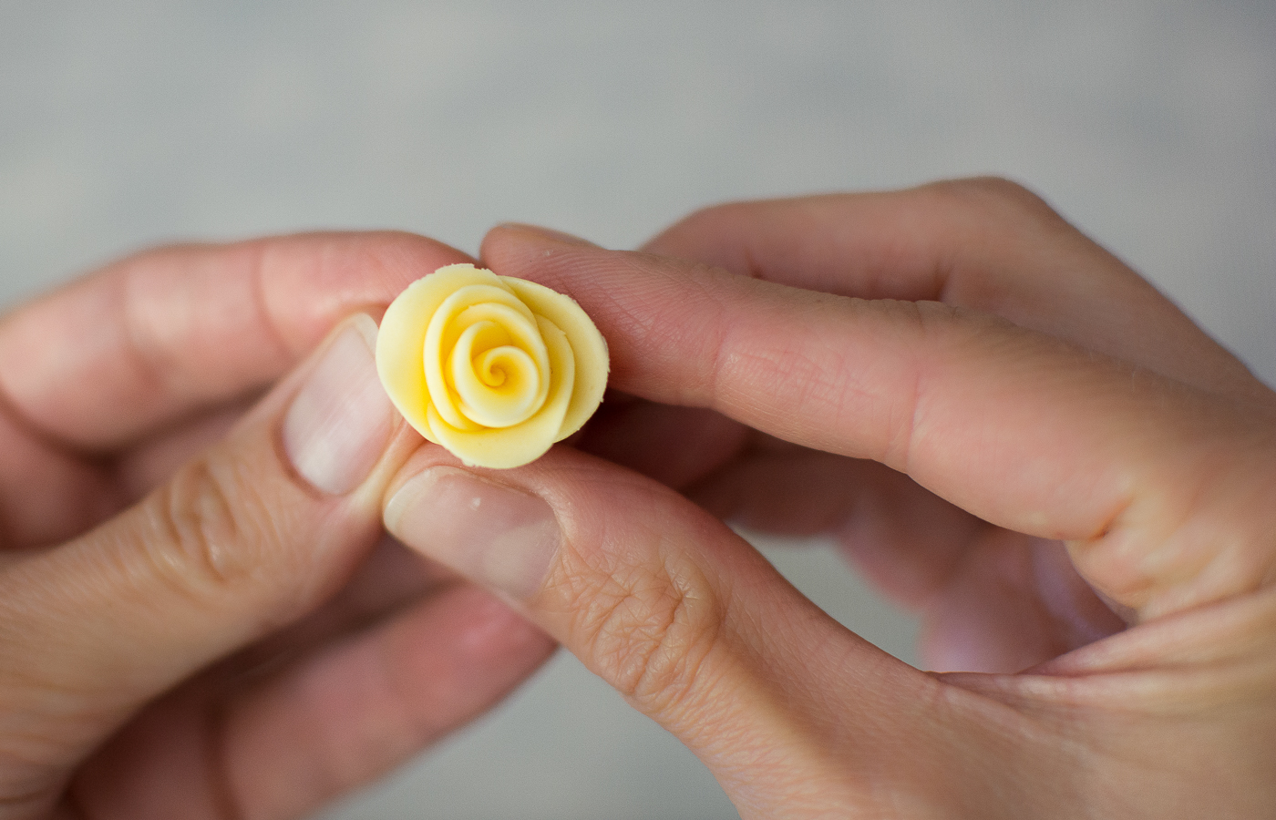 Picture of Fondant Roses - Three Ways