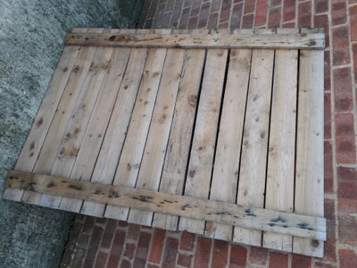 Organised Bathroom Recycled Wood Pallet Wall Features
