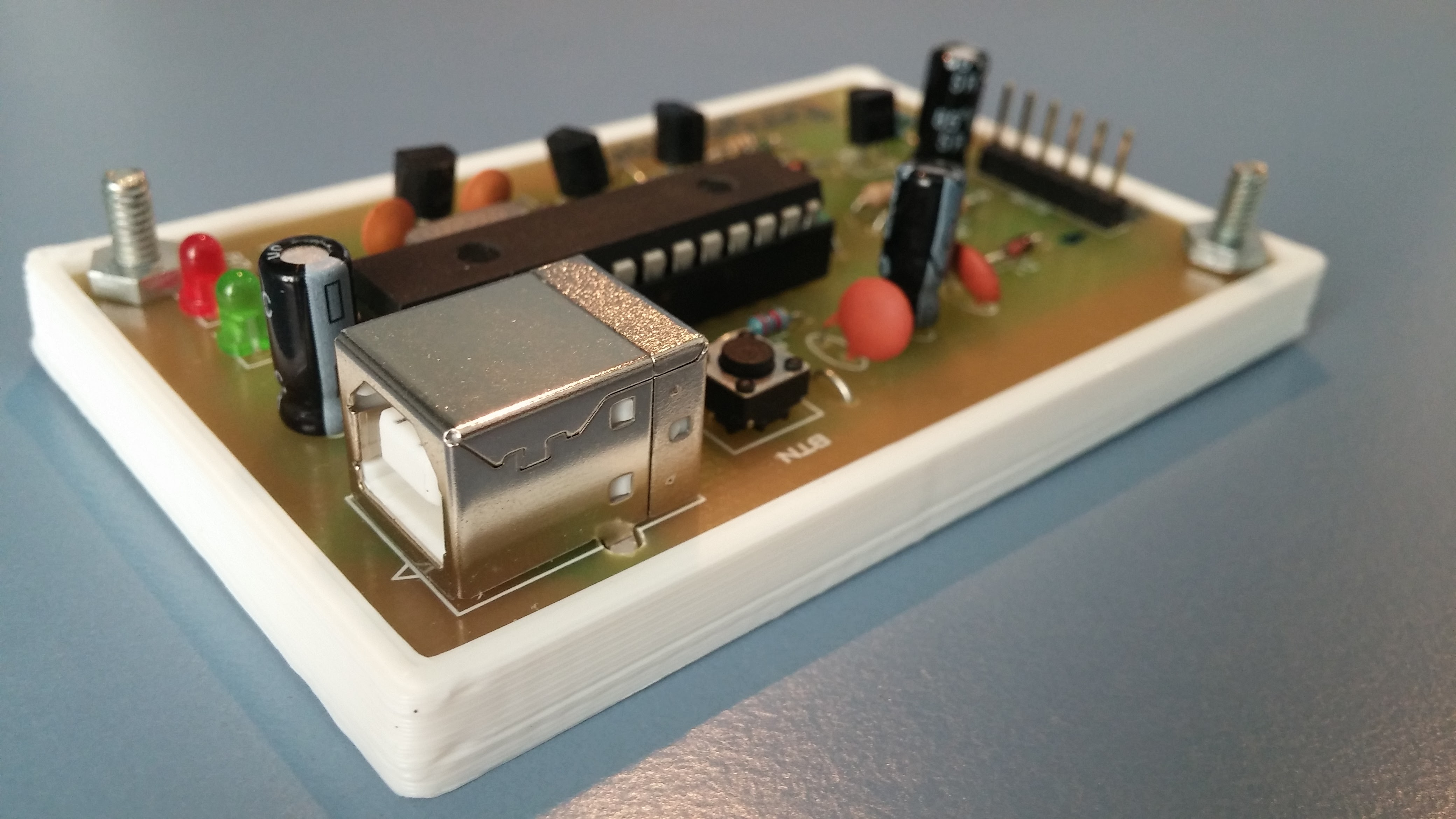 Picture of How to Make a PIC Programmer - PicKit 2 'clone'