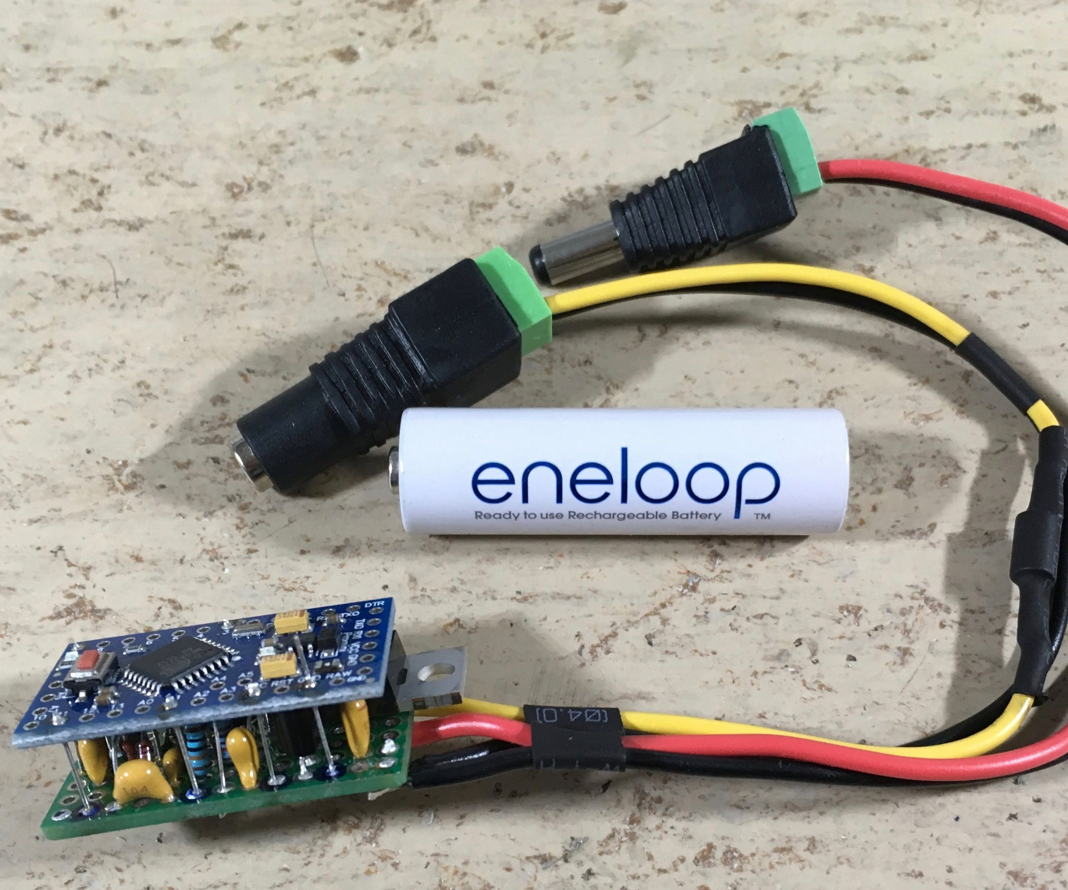 e2ab7413006 DIY Arduino PWM5 Solar Charge Controller (PCB Files and Software Included)