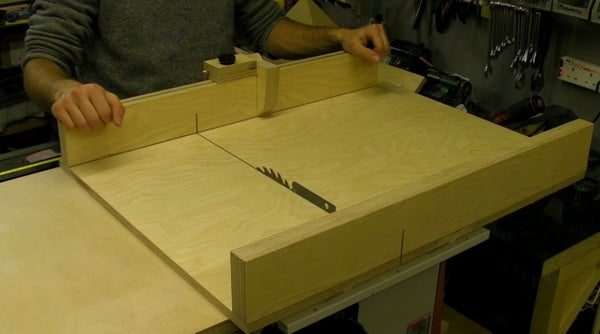 DIY Table Saw Sledge / Sled With Flip Stop Guide