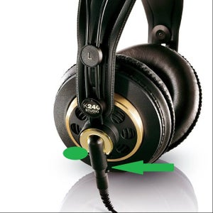 Cut and Place Scotch Extreme Fastener to Your Headphones