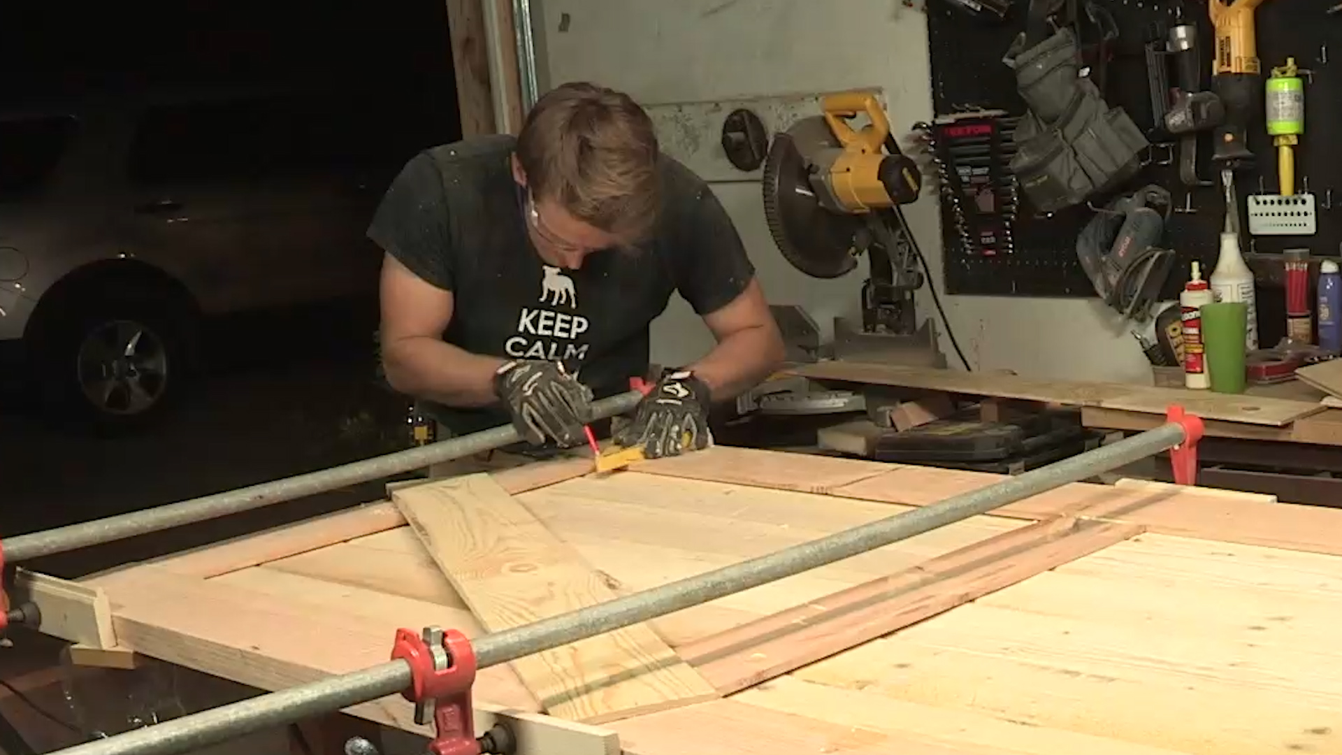 Picture of Assembling the Door