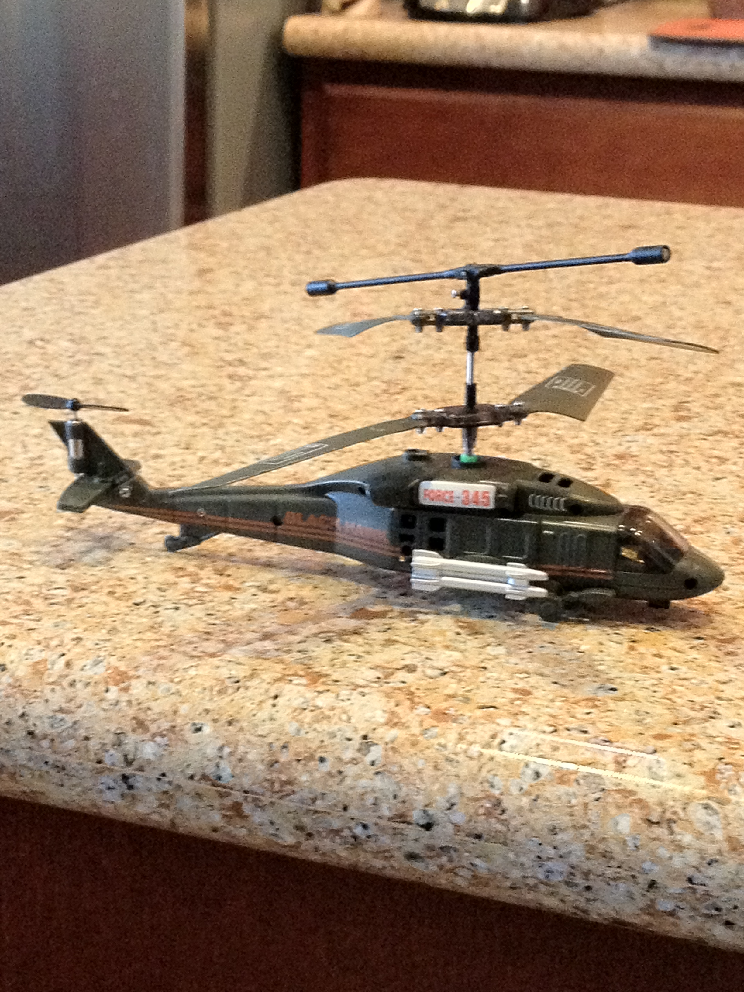 Flying a 3 Channel RC (gyro) Helicopter : 6 Steps (with Pictures)