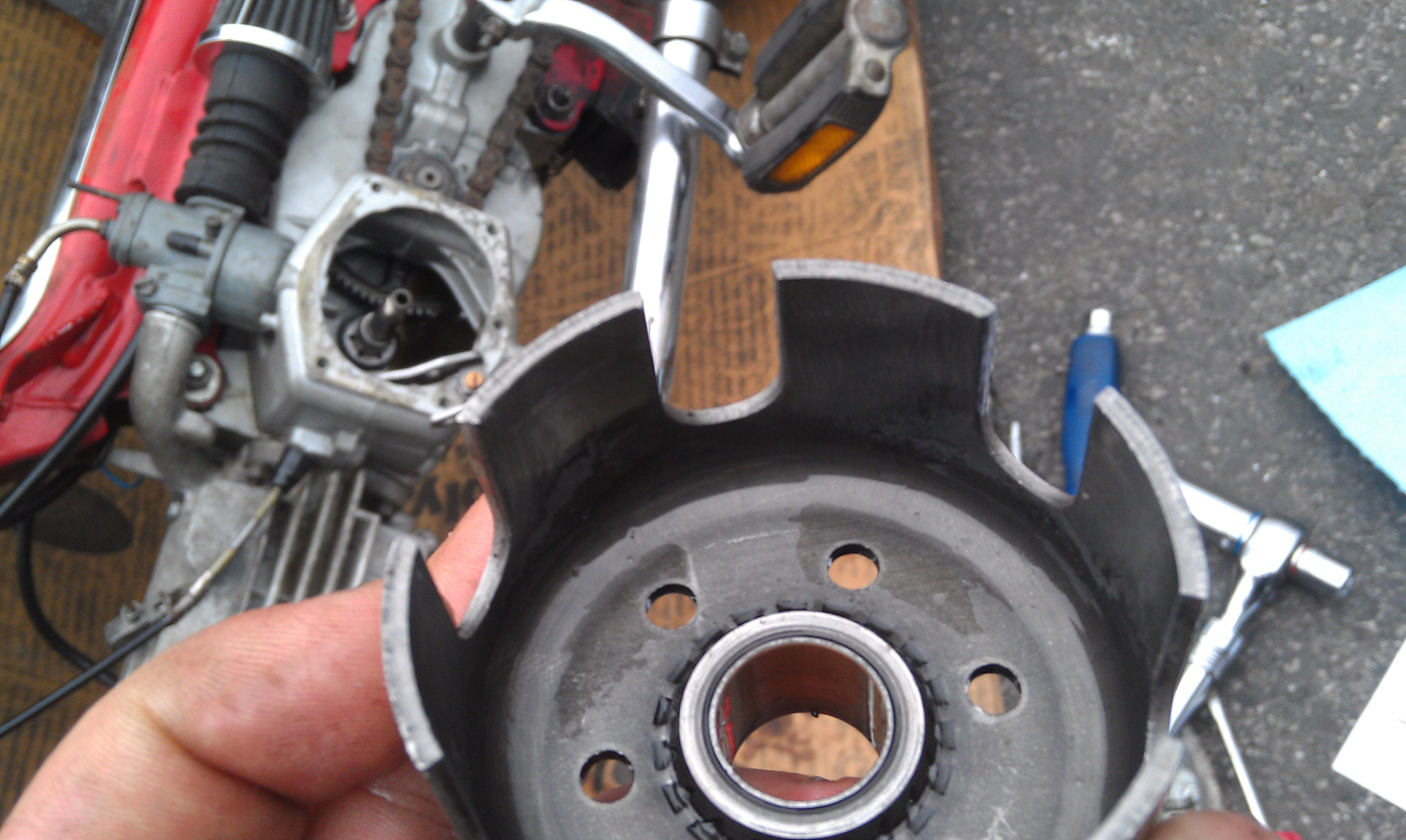 SACHS MOPED CLUTCH REPAIR AND RE-INSTALLATION!: 5 Steps