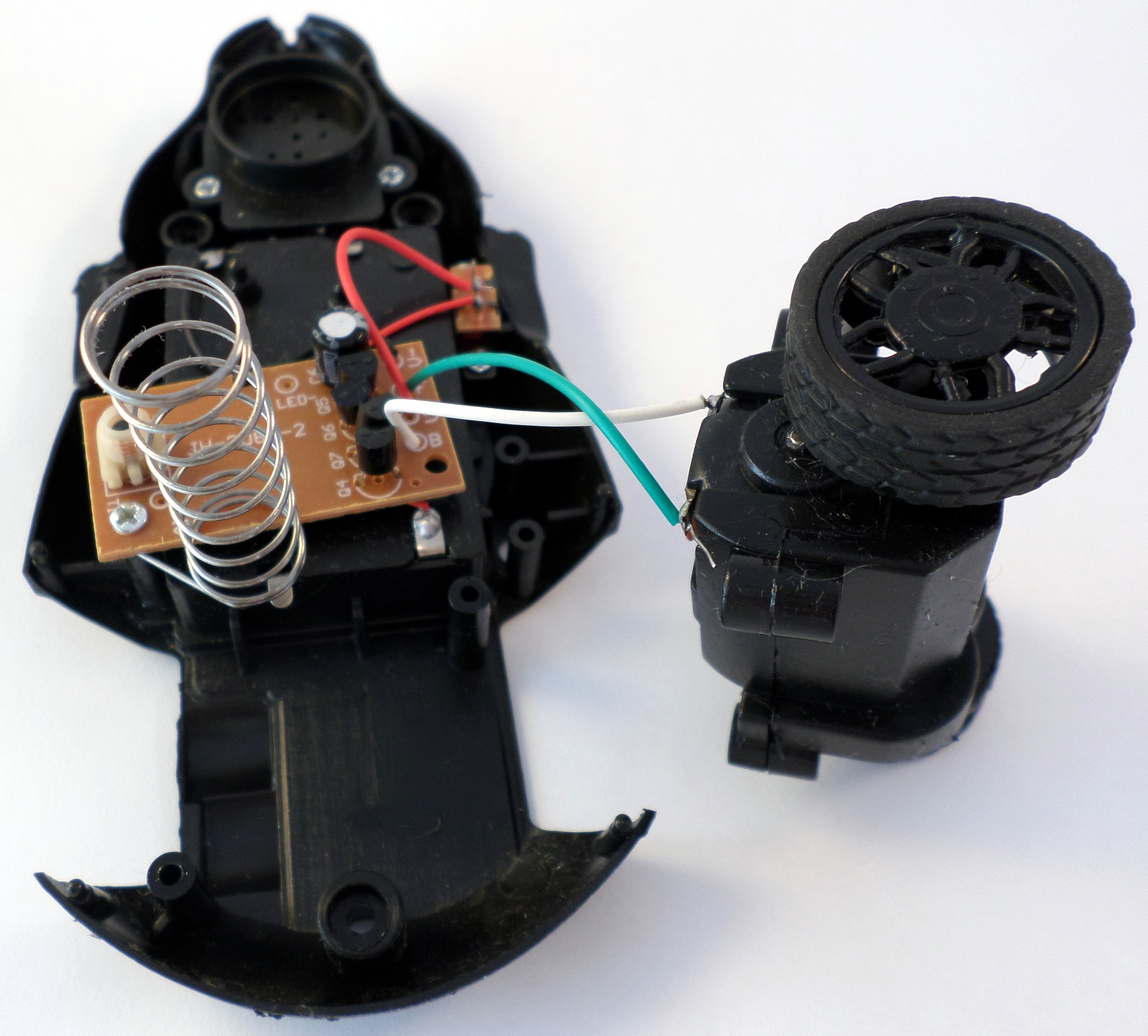 Picture of Disassembling the RC Mouse