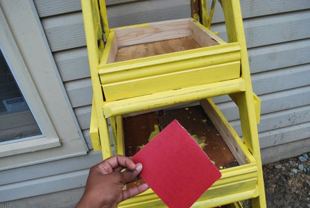 Turning the Ladder Into a Planter Step 5