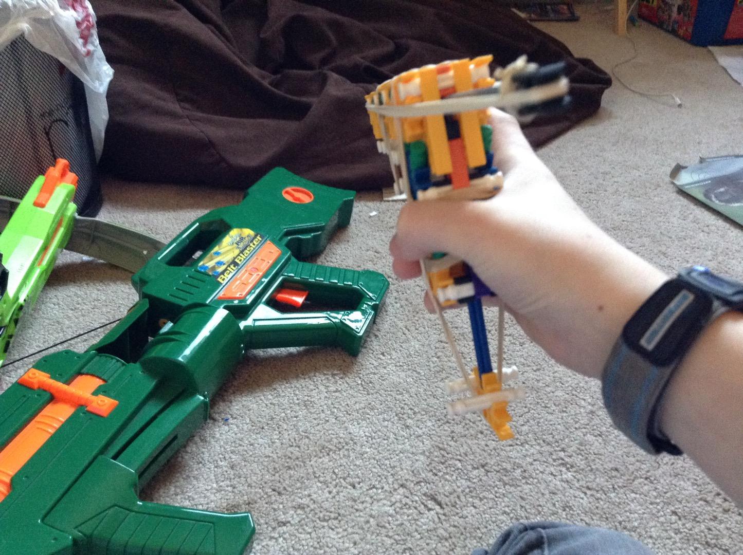 Picture of KNEX Five Round Hand-Gun Instructions - FRH16