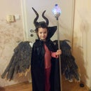 Maleficient costum for carnival, homemade using paper plastic botle and hot glue