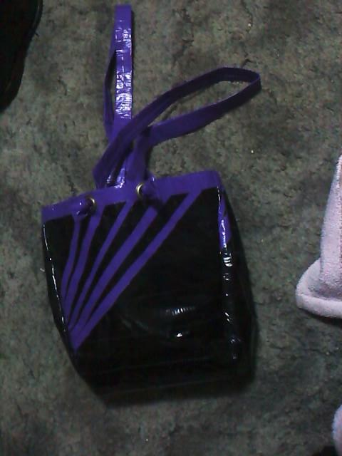 How to Make a Purse From Duct Tape