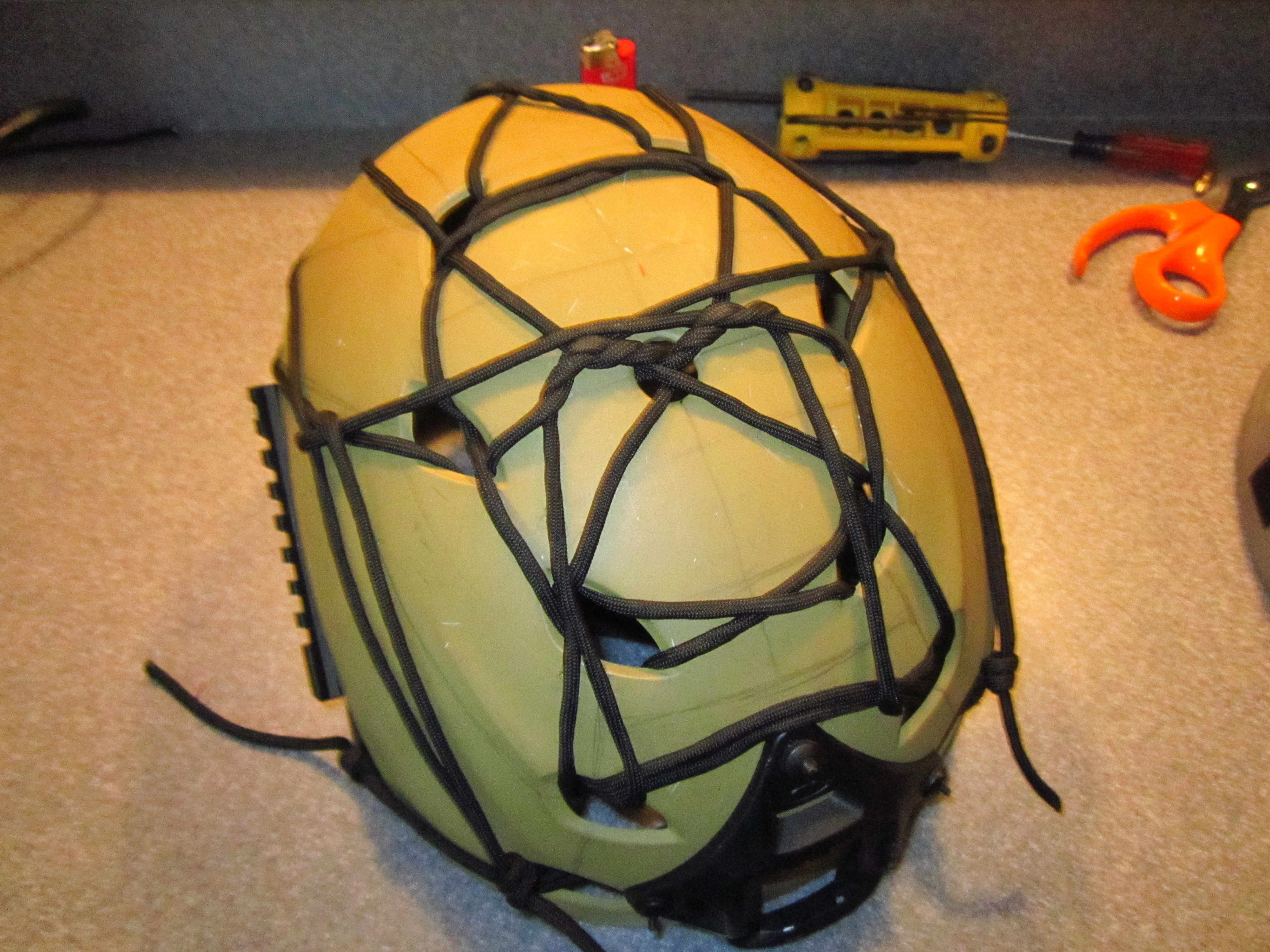 Picture of Helmet Paracord Web