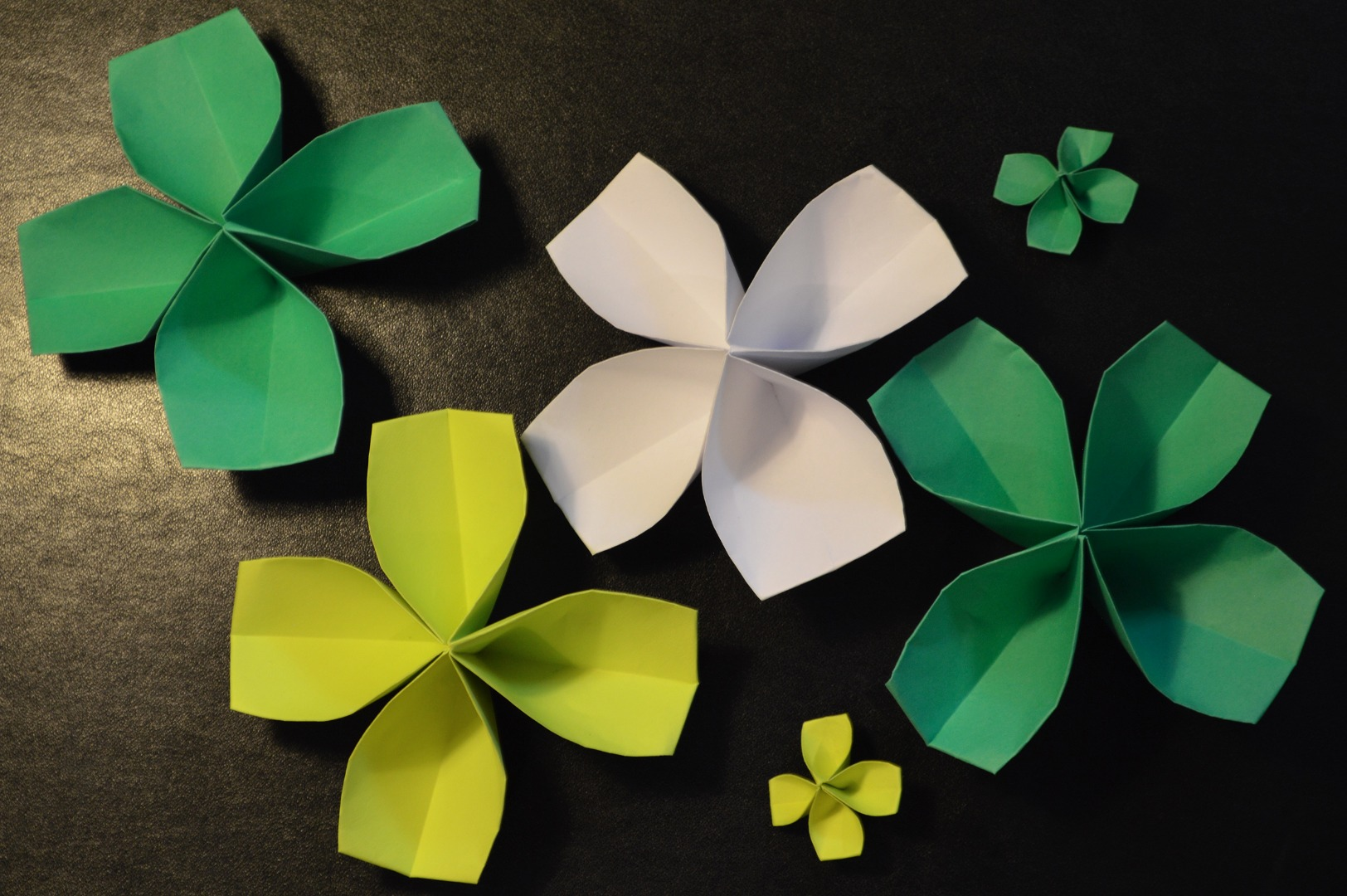 Picture of How to Make a Paper Four-Leaf Clover