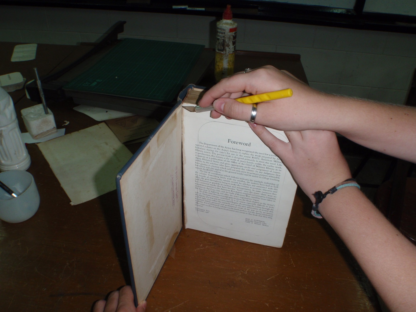 Picture of Remove the Binding From the Book Pages