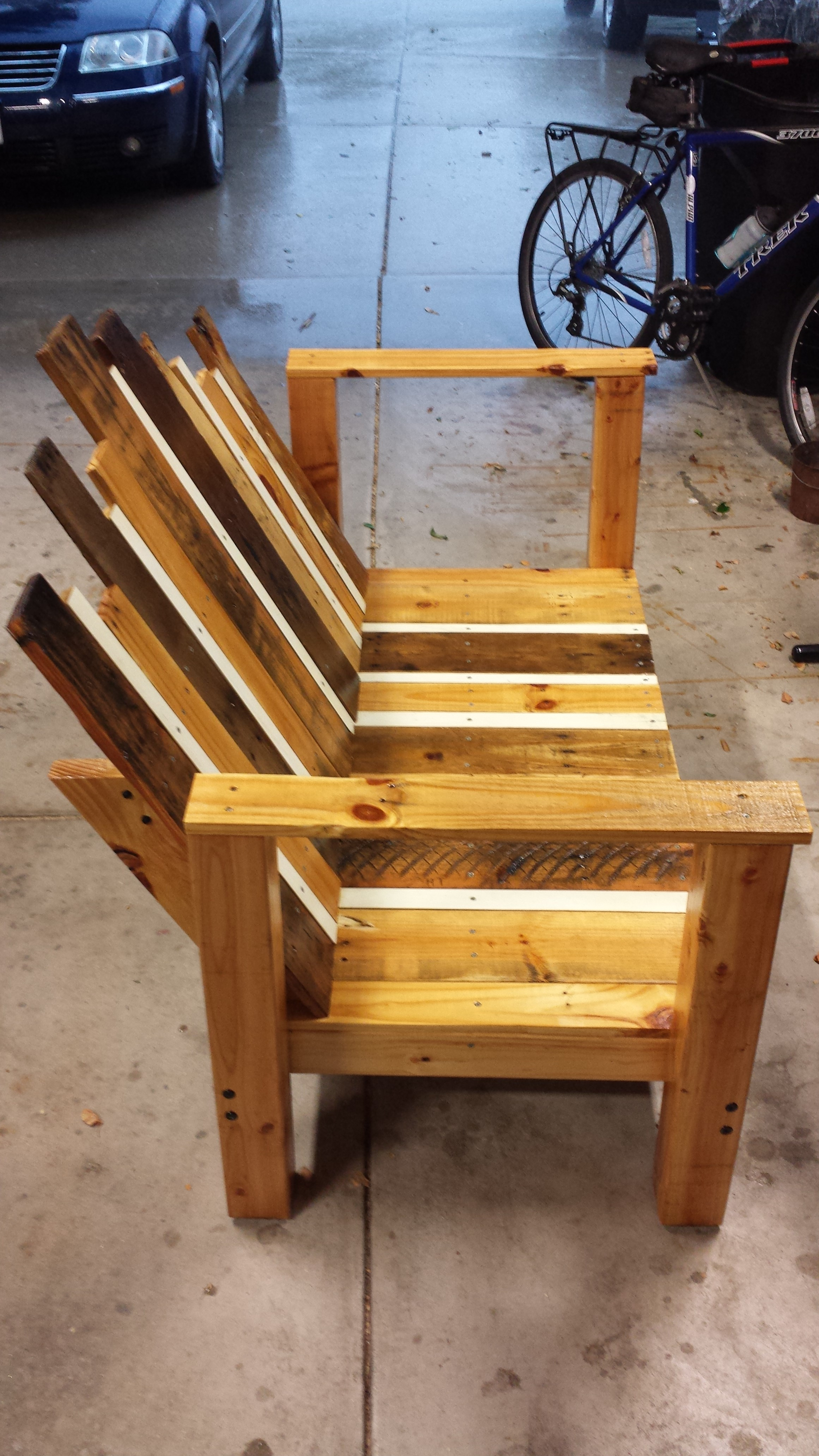 Picture of Staining and Varnishing