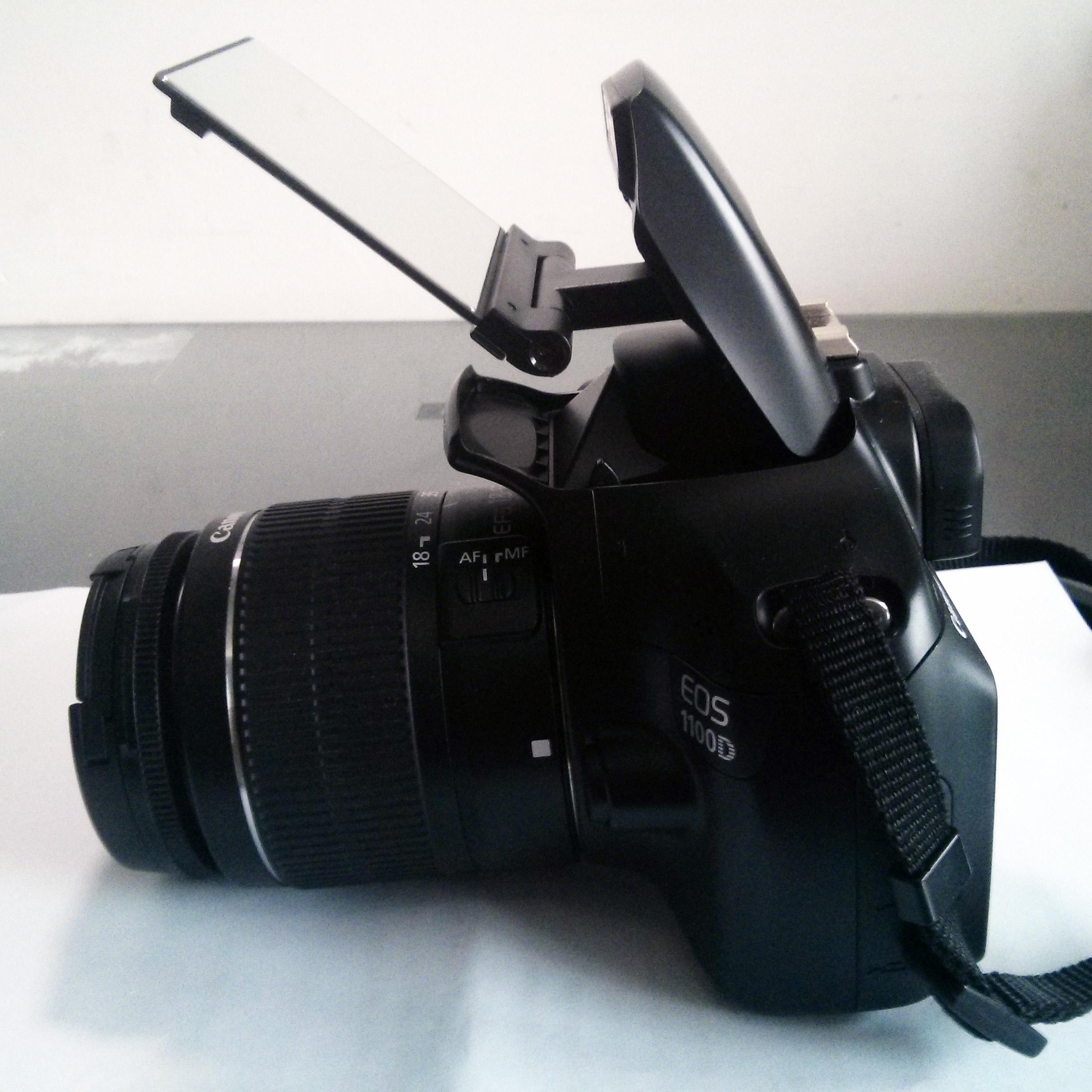 Picture of Flash Diffuser/bouncer LEGO Mount Hack
