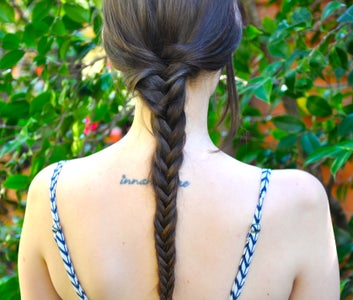 How to Do a Basic Fishtail Braid