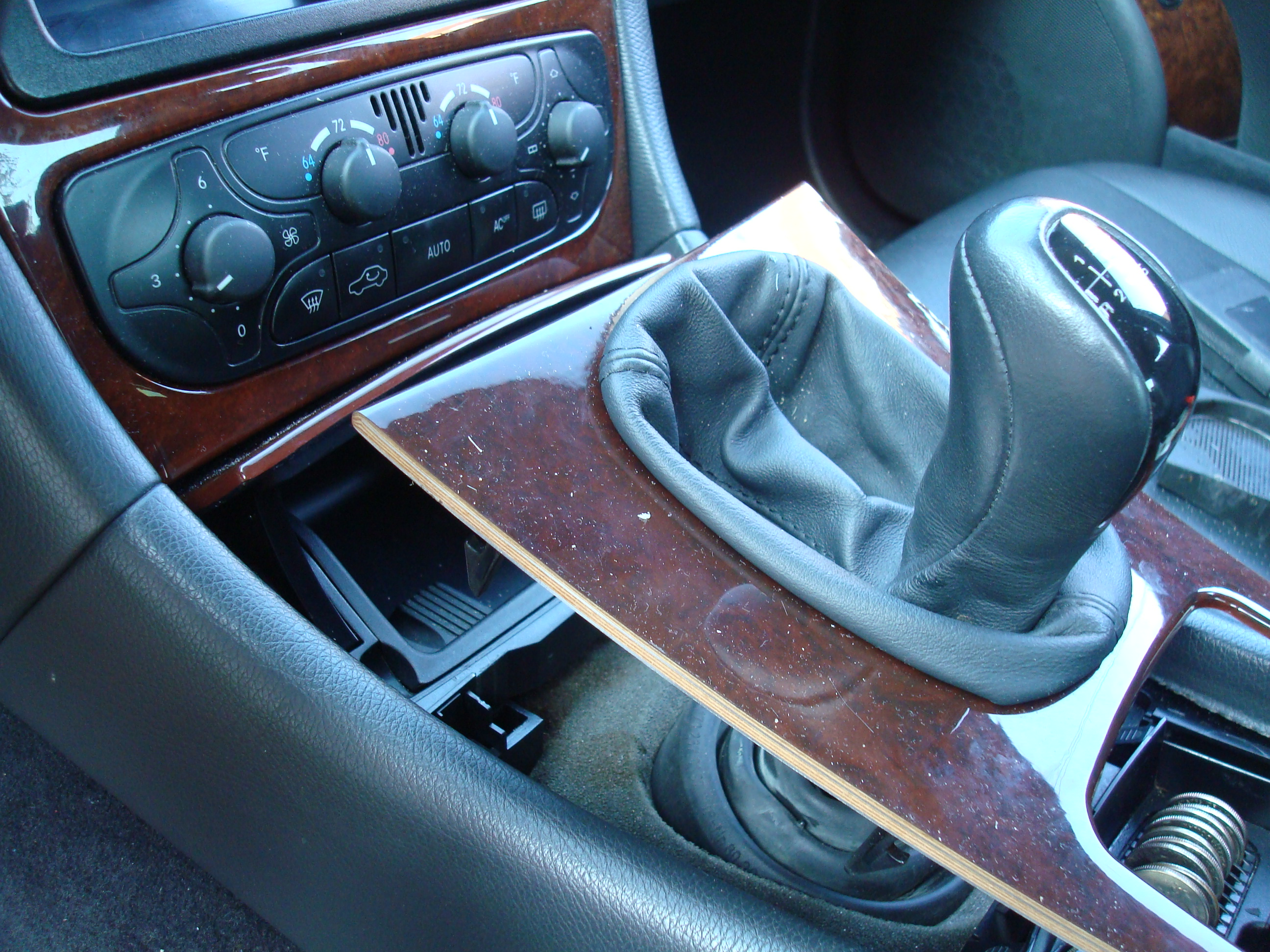Picture of Remove Shifter Console