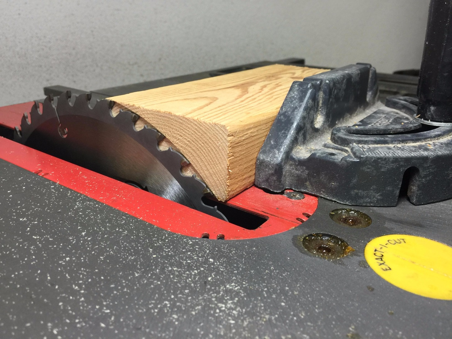 Picture of Tune Up Your Table Saw With a 2x4