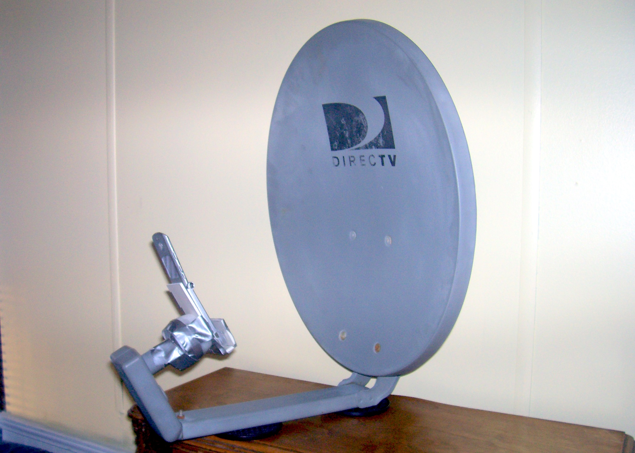 Repurposed Satellite Dish Antenna Captures Wi-Fi and Cell Phone