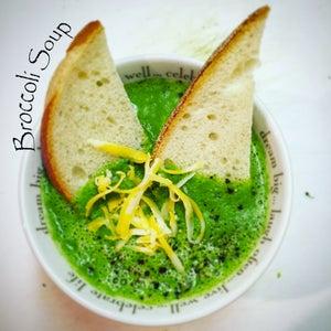 Bright Green Broccoli Cheddar Soup