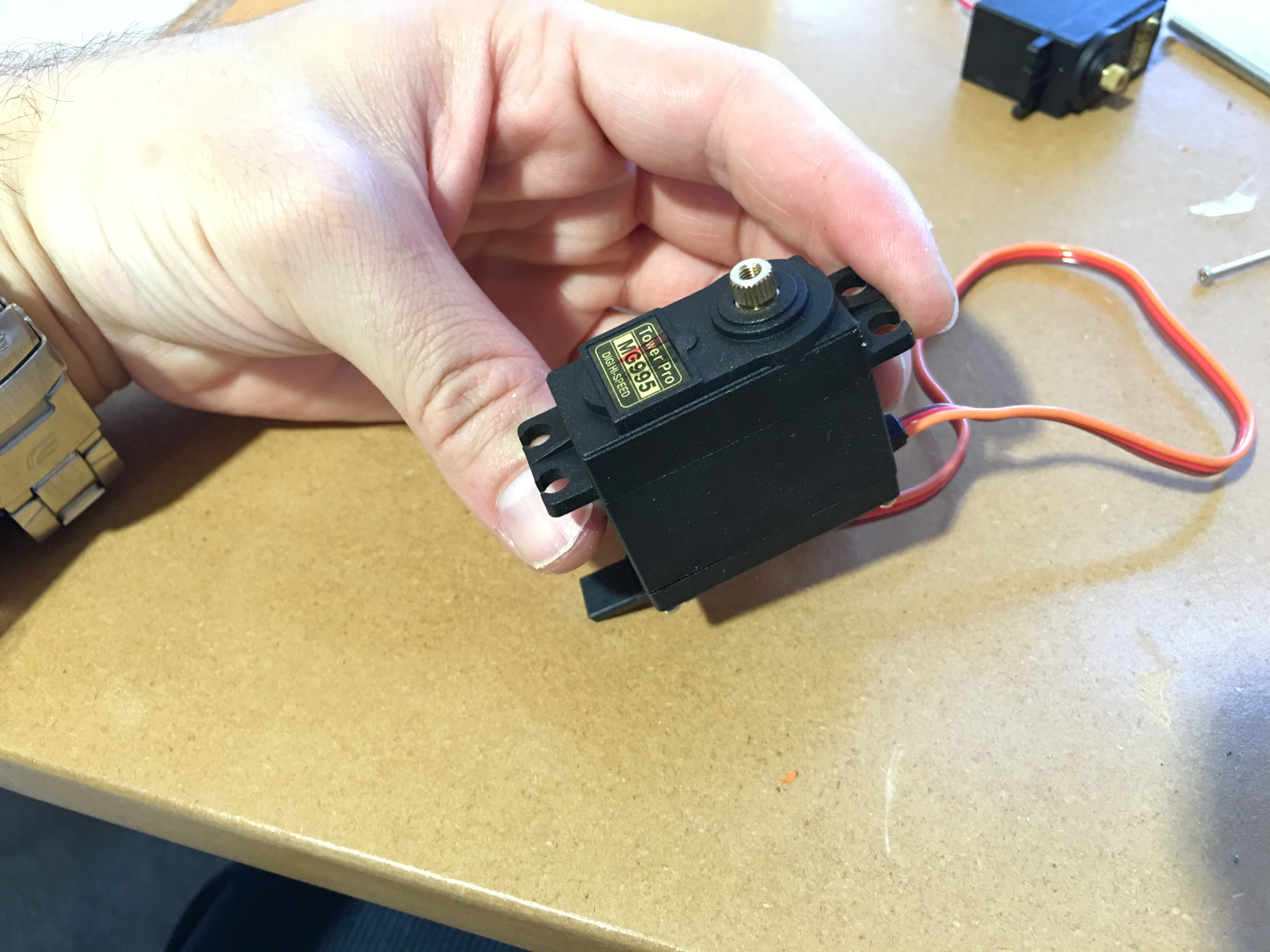 Picture of Manipulating Servo Motor to Be 360 Degree Turnable
