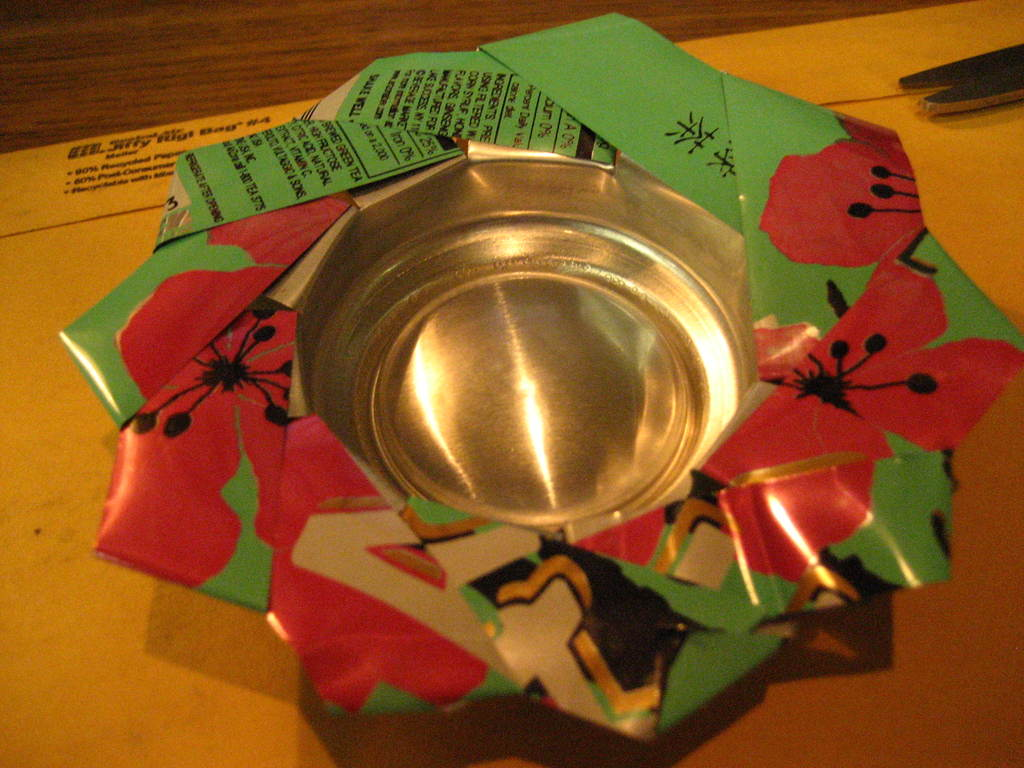 Picture of How to Make Can and Bottle Flower Dish