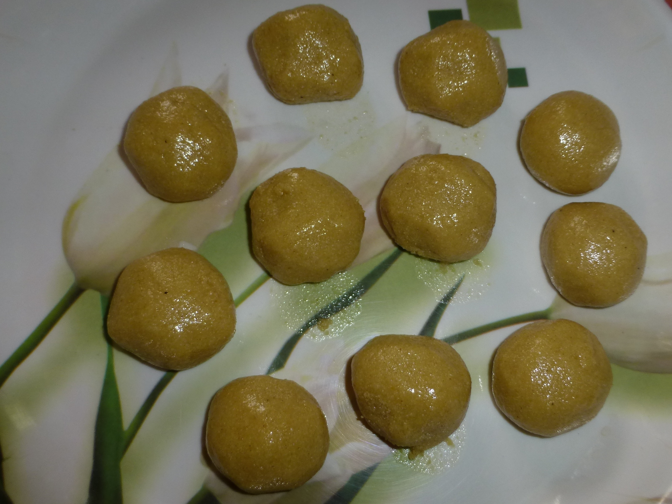 Picture of Foxtail Millet Laadoo With Honey