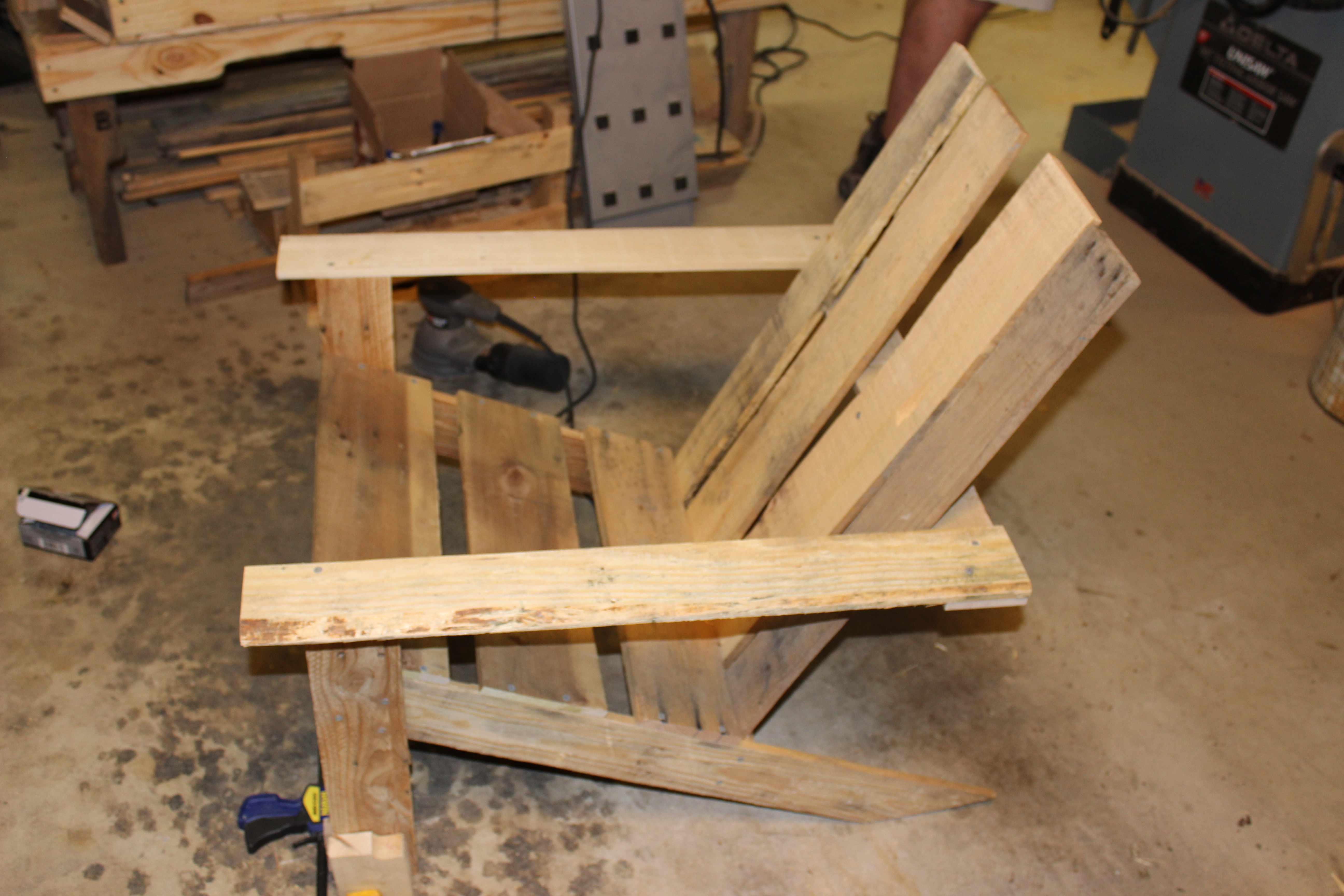 Picture of Comfy Pallet Adirondack Chair